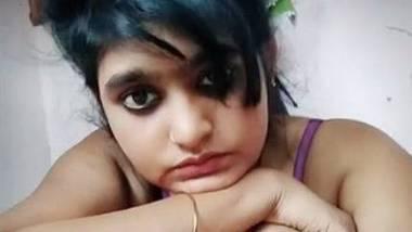 Cute desi girl flaunts pussy