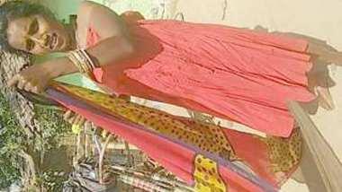 Desi village bhabi bath and show pussy midnight