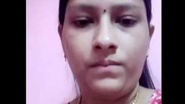 Desi village bhabi shw her big boobs