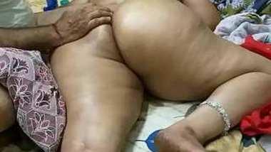 Desi village aunty nice ass massage