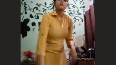 pk hot teen show her nice body