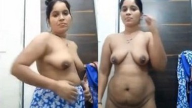 Sexy Bhabi Record her Nude Video (Updates)