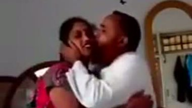 Hindi sex video of a mature guy having fun with a young bhabhi