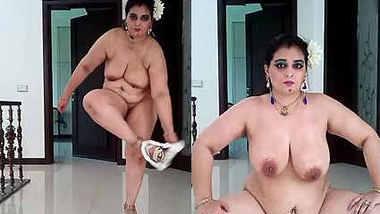 desi queen naked show