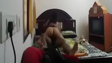Mausi bhanje ke incest sex masti ki Hindi blue film