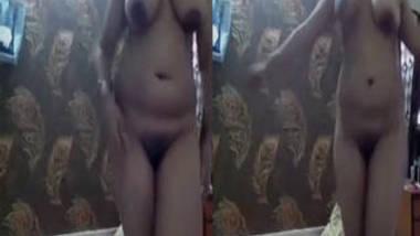 Big Boobs Desi Bhabhi Nude Dance On Cam