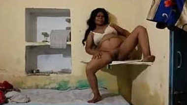 Desi randi bhabhi remove cloth and dancing in nude