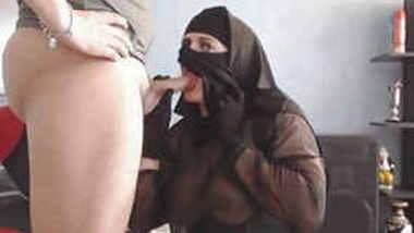 blowjob and cumshot on my niqab