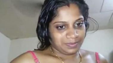 Desi aunty hot nude show
