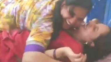 naughty desi girls great video