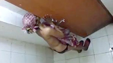 Desi girl nude bathing and changing in bathroom caught by hidden cam