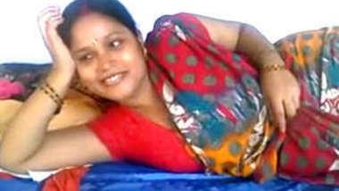 Indian village bhabhi show her boobs