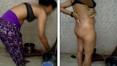 Desi wife nude bathing and hubby recording with clear Hindi Conversation