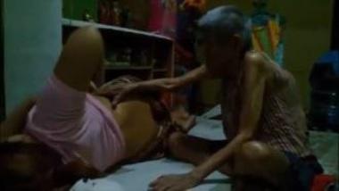 Chudai Video Of Horny Sasur Stripping Bahu's Saree