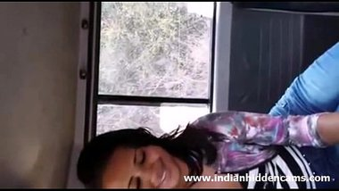 Desi Cute Girl Sucking Penis Inside The Car