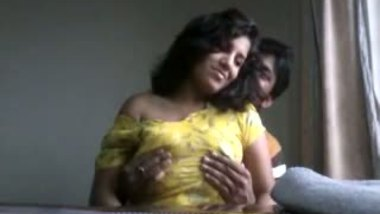 Best desi porn presents big boobs Mumbai desi gf Tina