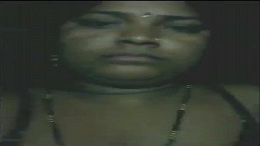 Busty Bengali aunty home sex tape with hubby leaked!