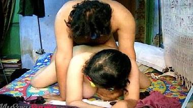 Garbhwati hone ko devar bhabhi ne bur chudai khel khela