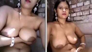 desi aunty hot boobs & pussy Show