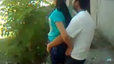 Amateur college girl outdoor fuck by classmate leaked mms