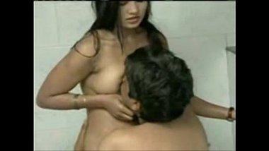 Pune ke ghar mai virgin sister ki incest fuck clip