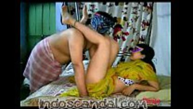 Tamil masked Indian wife pussy damaged on cam with her husband