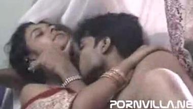 Bihari aunty ki Bhojpuri plumber se fuck ki xxx sex video