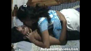Tamil mausi aur mama ki ghar pe rishton mai chudai clip