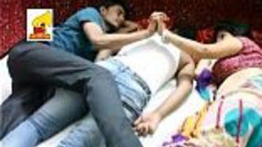 Sexy bhabhi in saree hot romance with devar & hubby