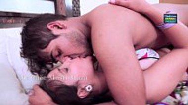 Bhabhi in Saree do Hindi dirty talking hot sex with neighbor