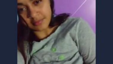 Watch Beautiful Cute Girl Showing