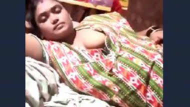 Desi bhbai show her big boob app video