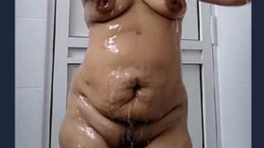 Sexy Hot Desi Bathing