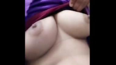 cute desi girl showing boobs
