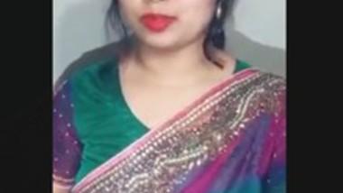 Desi Girl Boob show