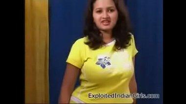 Desi porn actress Sanjana's full show