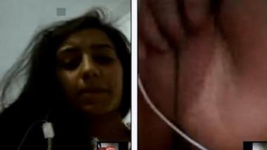 Horny Paki girl shows XXX orifice to boyfriend via video chat