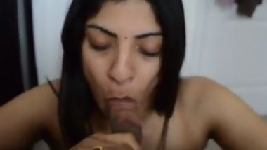 Blowjob XXX video replenishes Desi couple's homemade collection