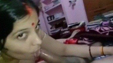 Nude bhabhi from Afzalpur sucking cock MMS