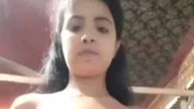 New leaked video of cute sexy figured Bangladeshi girl