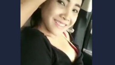 Desi cute girl romance in car with lover