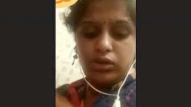 Horny Indian Bhabhi masturbation