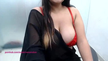 roma indian big boobs bhabhi show her full body and fingering