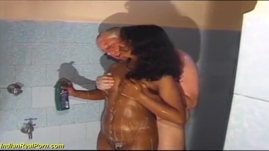 hot tamil tamil innocent gets her first...