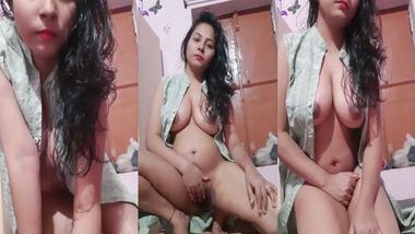 Unmarried Booby Desi Girl Fucked In her Cunt
