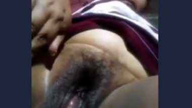 Mature Aunty Showing Her Big Pussy