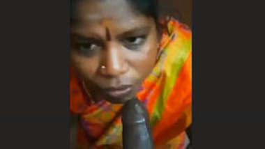 Tamil Bhabhi Blowjob Short Clip
