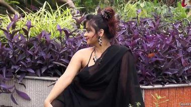Erotic XXX session with amazing Desi model posing in the garden