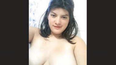 Sexy Girl Record Nude Selfie