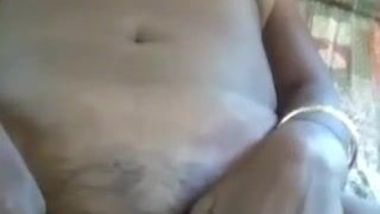 Indian mom lies naked and spreads pussy lips upon boyfriend's request